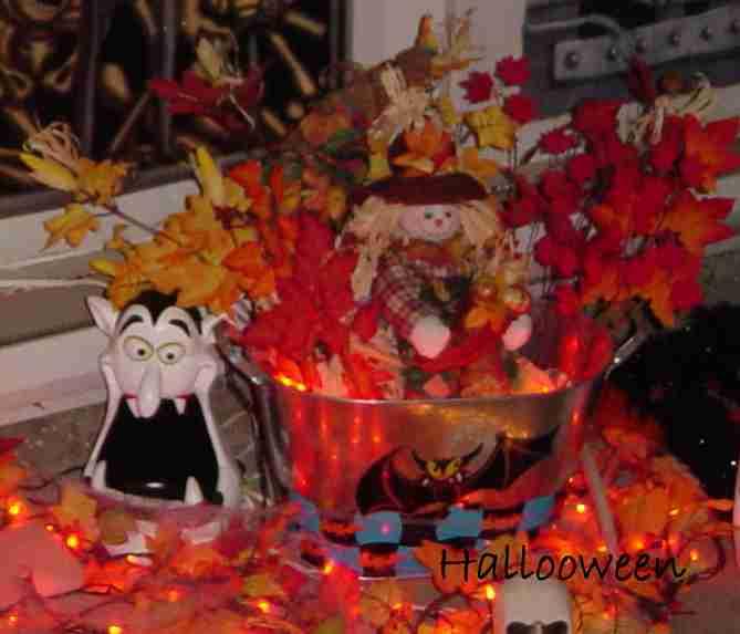 Pot de feuilles mortes maison hant e secret queen - Decoration halloween maison hantee ...